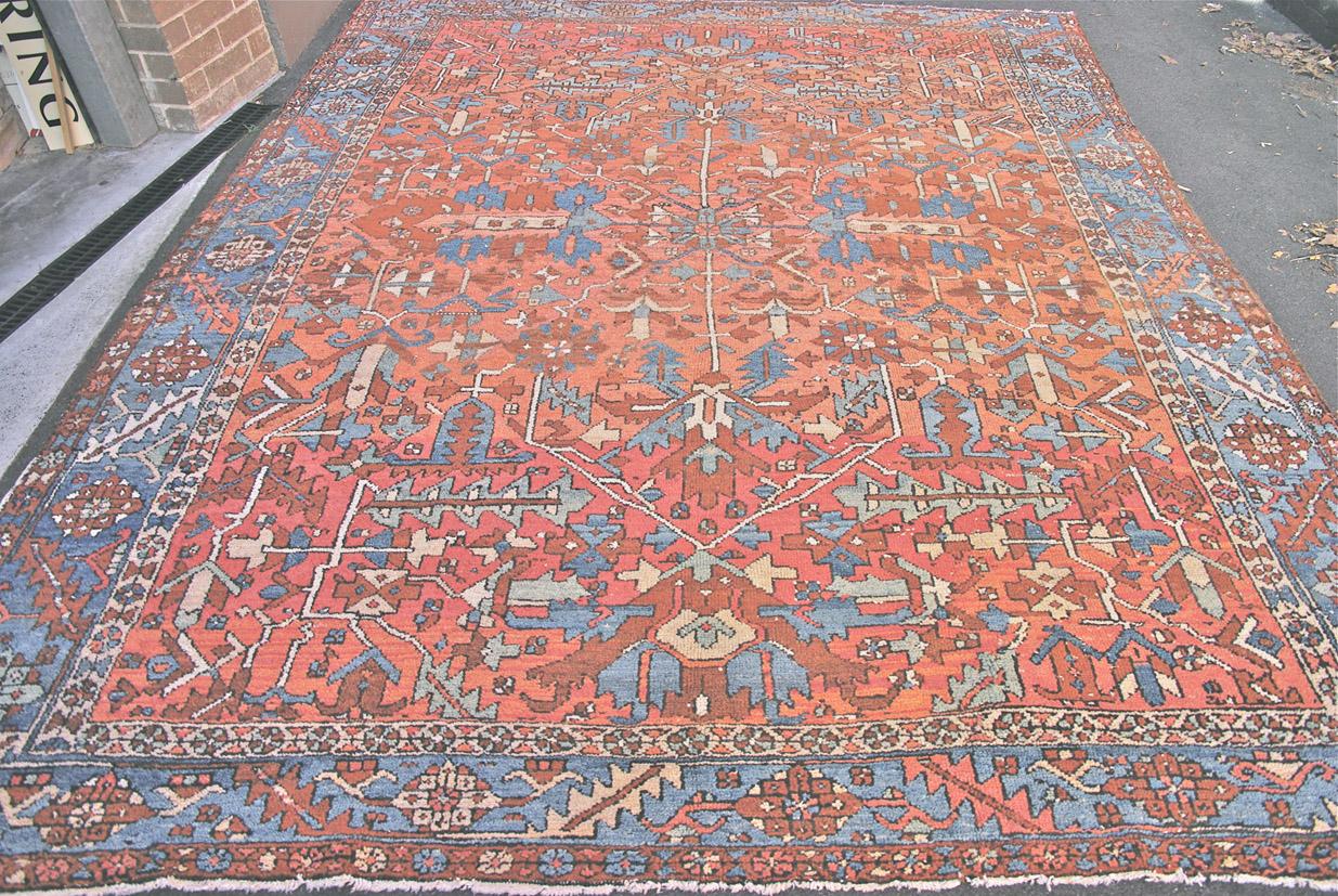 Heriz carpet 351 x 277 cm