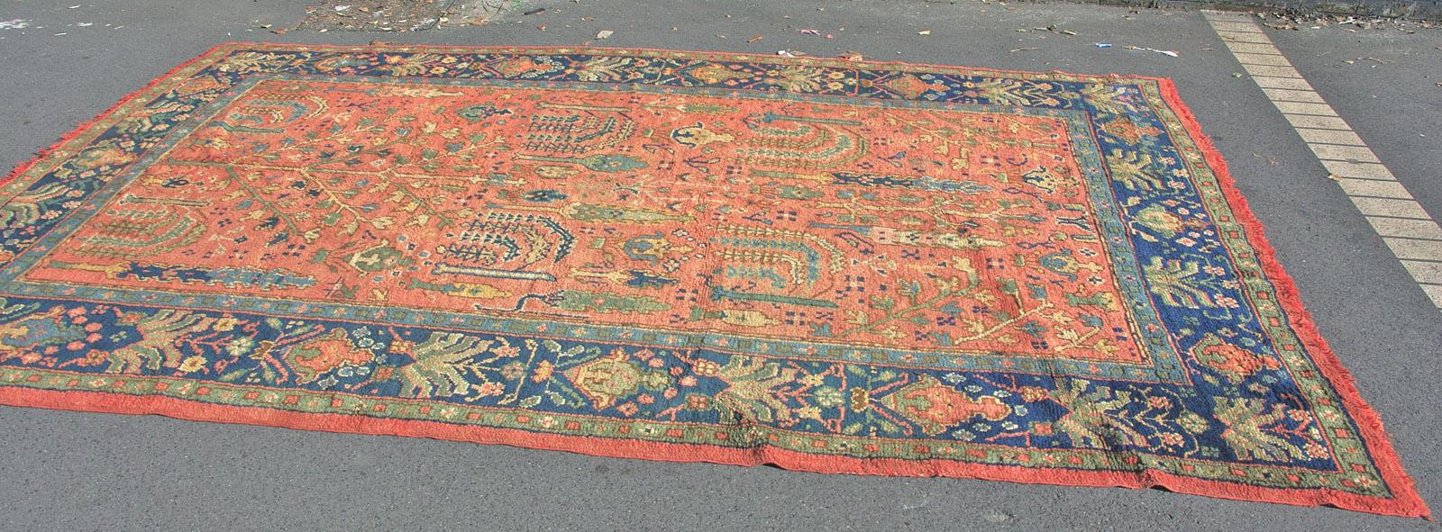 Ushak carpet 345 x 220 cm