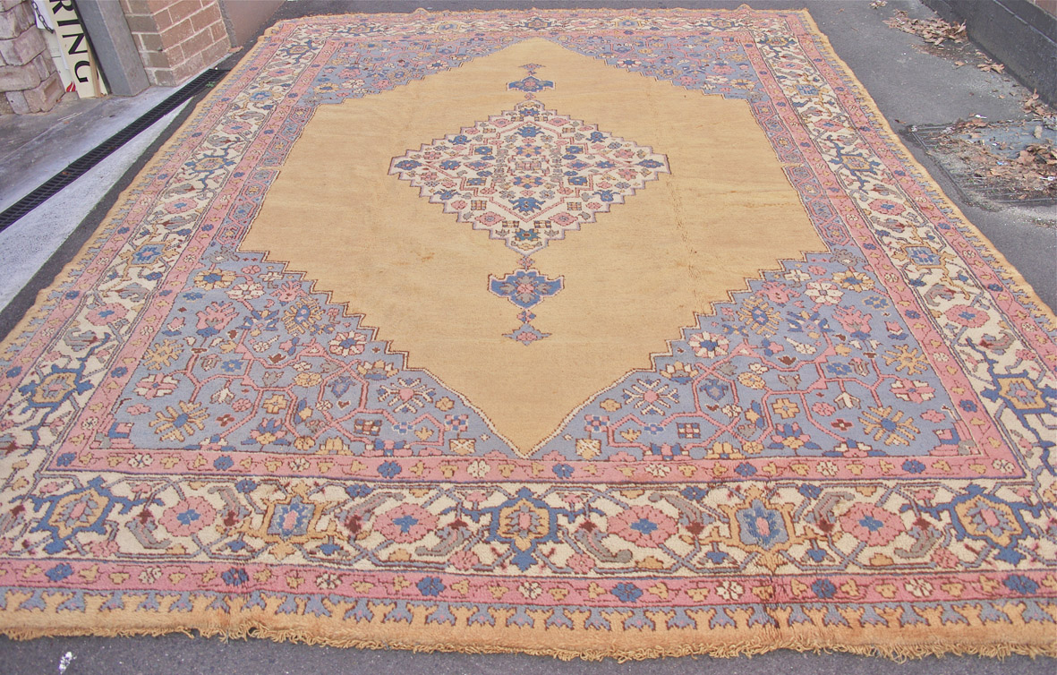 Ushak turkey carpet web draft